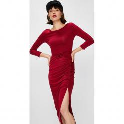 Answear - Sukienka Falling In Autumn. Szare sukienki damskie ANSWEAR, z dzianiny, casualowe, z okrągłym kołnierzem. W wyprzedaży za 79.90 zł.
