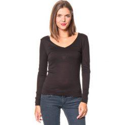 Koszulka w kolorze czarnym. Czarne bluzki damskie Assuili. W wyprzedaży za 45.95 zł.