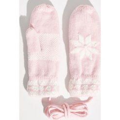 Rękawiczki na sznurku - Różowy. Czerwone rękawiczki damskie Sinsay. Za 24.99 zł.