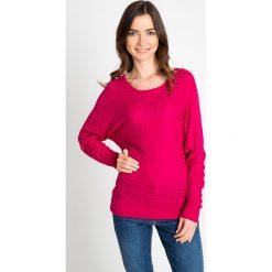 Różowy sweter z ozdobnym splotem QUIOSQUE. Czerwone swetry damskie QUIOSQUE, na jesień, ze splotem, z okrągłym kołnierzem. W wyprzedaży za 49.99 zł.