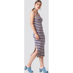 Trendyol Sukienka midi w paski - Multicolor. Szare sukienki damskie Trendyol, w paski. W wyprzedaży za 50.48 zł.