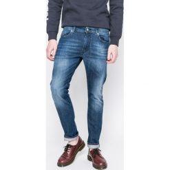 Diesel - Jeansy Thommer. Niebieskie jeansy męskie Diesel. W wyprzedaży za 399.90 zł.