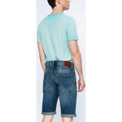 Pepe Jeans - Szorty Cash. Szare szorty męskie Pepe Jeans, z bawełny, casualowe. W wyprzedaży za 179.90 zł.