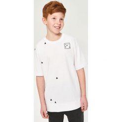 T-shirt z minimalistycznym nadrukiem - Biały. T-shirty damskie marki Reserved. Za 19.99 zł.