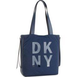Torebka DKNY - Ave A-Lg Tote-Nylon R83AE671 Navy NVY. Niebieskie torebki do ręki damskie DKNY, z materiału. Za 719.00 zł.
