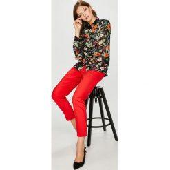Vero Moda - Spodnie. Szare spodnie materiałowe damskie Vero Moda, z bawełny. W wyprzedaży za 119.90 zł.