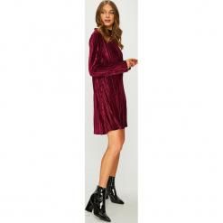 Answear - Sukienka. Szare sukienki damskie ANSWEAR, z dzianiny, eleganckie, z długim rękawem. Za 149.90 zł.