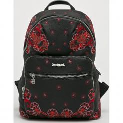 Desigual - Plecak. Czarne plecaki damskie Desigual, z haftami, z materiału. W wyprzedaży za 239.90 zł.