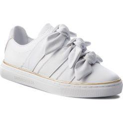 Półbuty TRUSSARDI JEANS - 79A00230 W002. Białe półbuty damskie TRUSSARDI JEANS, z jeansu. W wyprzedaży za 409.00 zł.