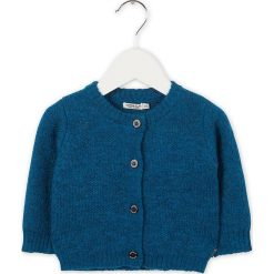 Kardigan w kolorze niebieskim. Swetry dla chłopców marki Reserved. W wyprzedaży za 107.95 zł.