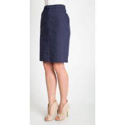 Granatowa spódnica we wzory QUIOSQUE. Szare spódnice damskie QUIOSQUE, z haftami, z bawełny, biznesowe. W wyprzedaży za 49.99 zł.