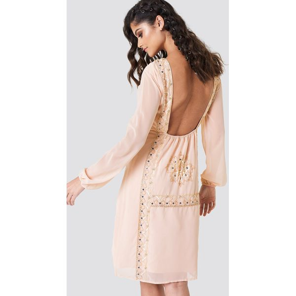 a1ee9b1d NA-KD Boho Zdobiona sukienka z odkrytymi plecami - Pink