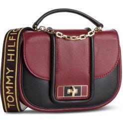 Torebka TOMMY HILFIGER - Fancy Th Leather Med Crossover AW0AW06119 263. Czerwone torebki do ręki damskie Tommy Hilfiger, ze skóry. Za 1,119.00 zł.