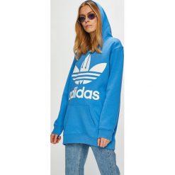 Adidas Originals - Bluza. Niebieskie bluzy damskie adidas Originals, z nadrukiem, z bawełny. Za 329.90 zł.