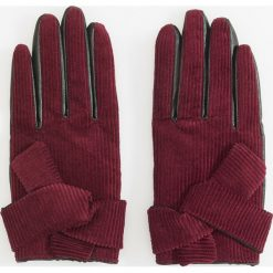 Sztruksowe rękawiczki - Bordowy. Czerwone rękawiczki damskie Reserved, ze sztruksu. Za 49.99 zł.