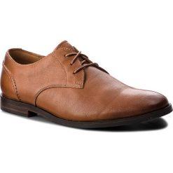 Półbuty CLARKS - Glide Lace 261354327 Tan Leather. Brązowe eleganckie półbuty Clarks, z materiału. W wyprzedaży za 279.00 zł.