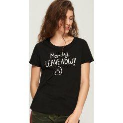 Bawełniany T-shirt z nadrukiem - Czarny. T-shirty damskie marki DOMYOS. W wyprzedaży za 9.99 zł.
