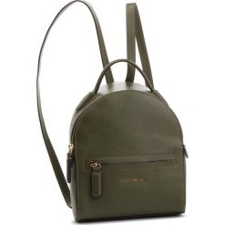 Plecak COCCINELLE - CF8 Clementine Soft E1 CF8 54 01 01 Caper G02. Zielone plecaki damskie Coccinelle, ze skóry, eleganckie. Za 1,149.90 zł.