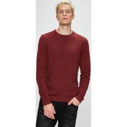 Produkt by Jack & Jones - Sweter. Brązowe swetry przez głowę męskie PRODUKT by Jack & Jones, z bawełny, z okrągłym kołnierzem. W wyprzedaży za 79.90 zł.