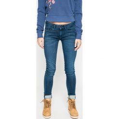 Pepe Jeans - Jeansy. Niebieskie jeansy damskie Pepe Jeans. W wyprzedaży za 269.90 zł.