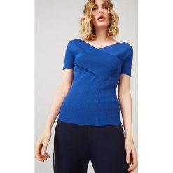 Koszulka w kolorze niebieskim. Bluzki damskie Rodier, klasyczne, z kopertowym dekoltem, z krótkim rękawem. W wyprzedaży za 214.95 zł.