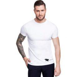 T-shirt NICODEMO TSBS000018. Białe t-shirty męskie Giacomo Conti, z aplikacjami, z bawełny. Za 79.00 zł.