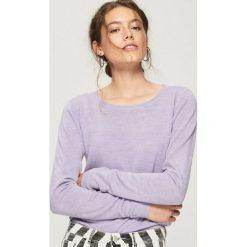 df2601fcc2e724 Sweter basic - Kremowy. Swetry damskie Sinsay. W wyprzedaży za 19.99 zł.