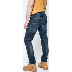 Mustang - Jeansy Tramper. Niebieskie jeansy męskie Mustang. W wyprzedaży za 199.90 zł.
