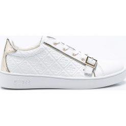Guess Jeans - Buty. Białe obuwie sportowe damskie Guess Jeans, z jeansu. W wyprzedaży za 319.90 zł.