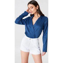 NA-KD Trend Jeansowe spodenki z wysokim stanem - White. Białe szorty damskie NA-KD Trend, z bawełny. W wyprzedaży za 48.59 zł.