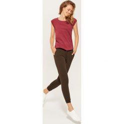 Dresowe joggery - Khaki. Brązowe spodnie dresowe damskie House, z dresówki. Za 59.99 zł.