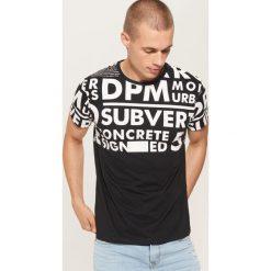 T-shirt z napisami - Czarny. Czarne t-shirty męskie House, z napisami. Za 39.99 zł.