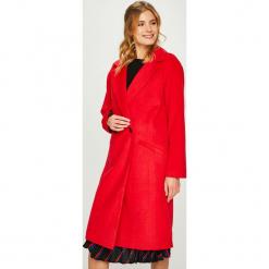 Answear - Płaszcz Heritage. Czerwone płaszcze damskie ANSWEAR, z elastanu, klasyczne. W wyprzedaży za 269.90 zł.