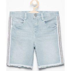 Jeansowe szorty z lampasami - Niebieski. Spodenki dla dziewczynek Reserved, z jeansu. W wyprzedaży za 29.99 zł.
