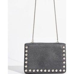Torebka z dżetami - Czarny. Czarne torebki do ręki damskie Sinsay. W wyprzedaży za 39.99 zł.