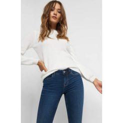 Sweter z balonowymi rękawami. Brązowe swetry damskie Orsay, z dzianiny. Za 99.99 zł.