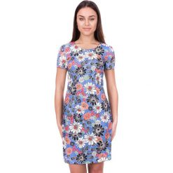 Błękitna sukienka w kwiaty BIALCON. Niebieskie sukienki damskie BIALCON, na lato, w kwiaty, z bawełny, z okrągłym kołnierzem, z krótkim rękawem. W wyprzedaży za 188.00 zł.