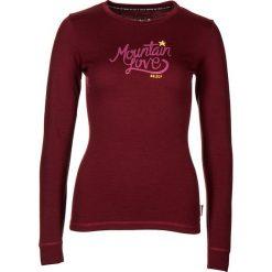 """Koszulka """"ConcordiaM."""" w kolorze bordowym. Czerwone bluzki damskie Maloja, z aplikacjami, z wełny, z okrągłym kołnierzem, z długim rękawem. W wyprzedaży za 129.95 zł."""