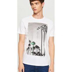 T-shirt z nadrukiem - Biały. T-shirty damskie marki Pulp. Za 59.99 zł.