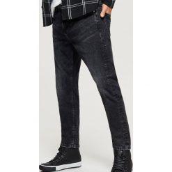 Jeansy CROPPED - Czarny. Czarne jeansy męskie Cropp. Za 119.99 zł.