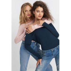 Koszulka basic. Niebieskie bluzki damskie Orsay, z dzianiny, z długim rękawem. Za 39.99 zł.