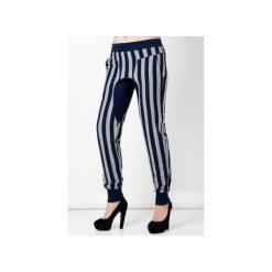 Spodnie damskie z obniżonym krokiem. Niebieskie spodnie materiałowe damskie Blue eye pop, z gumy. Za 120.00 zł.