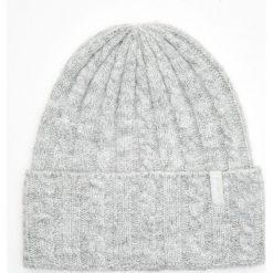 Ciepła czapka - Jasny szary. Szare czapki i kapelusze damskie Cropp. Za 29.99 zł.