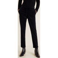 Mango - Spodnie Panita. Czarne spodnie materiałowe damskie Mango, z bawełny. Za 119.90 zł.