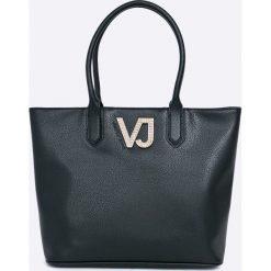Versace Jeans - Torebka. Torebki shopper damskie Versace Jeans, z jeansu. W wyprzedaży za 429.90 zł.