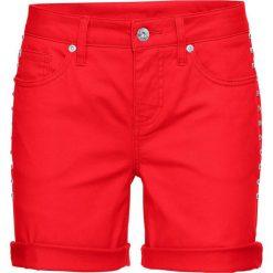 Szorty dżinsowe bonprix czerwony sygnałowy. Czerwone szorty damskie bonprix, z jeansu. Za 59.99 zł.