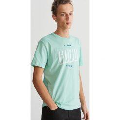 T-shirt z nadrukiem - Zielony. T-shirty damskie marki bonprix. W wyprzedaży za 24.99 zł.