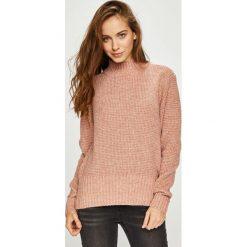 Pieces - Sweter Enna. Różowe swetry damskie Pieces, z dzianiny. W wyprzedaży za 129.90 zł.