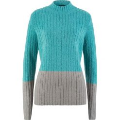 Sweter ze stójką bonprix zieleń morska - jasnoszary melanż. Swetry damskie marki bonprix. Za 59.99 zł.