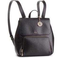 Plecak DKNY - R83K3799 Blk/Gold BGD. Czarne plecaki damskie DKNY, ze skóry. Za 1,239.00 zł.